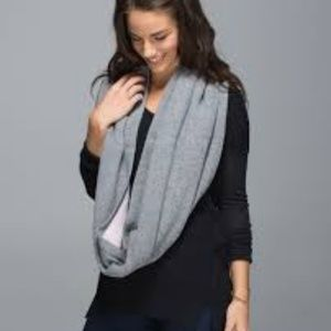 lululemon athletica Accessories - Lululemon Blissed Out Circle Scarf Reversible Knit